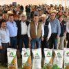 Para amortiguar costos de producción, el Gobierno de Tamaulipas entrega 28 ton. de semilla de sorgo.