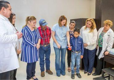 DIF Tamaulipas referente a nivel nacional e internacional con la entrega de prótesis elaborada con impresora 3D.
