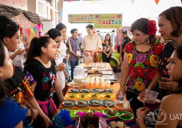 Fomenta Ceina UAT tradiciones mexicanas con la enseñanza de idiomas
