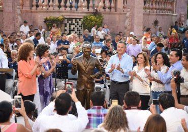 Extraordinaria Develación de la Estatua de Mauricio Garcés