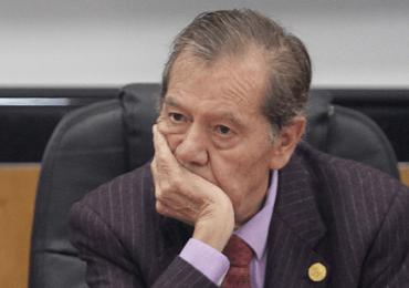 """""""YO NO HUBIERA CEDIDO A LAS PRESIONES DE EEUU"""": MUÑOZ LEDO"""