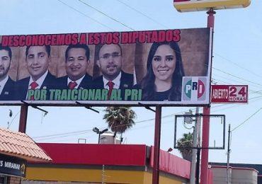 """El PRI exhibe """"traición"""" de diputados que aprobaron ampliación de mandato de Bonilla"""