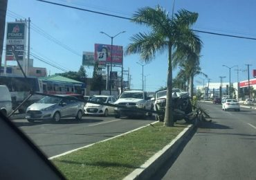 Repone municipio lámparas dañadas en accidentes viales