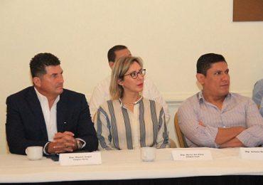 Participa Miguel Gómez en reunión de  próximos legisladores del PAN.