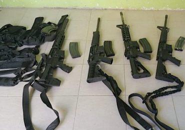 Incautan equipo táctico y armas largas; hay 3 detenidos