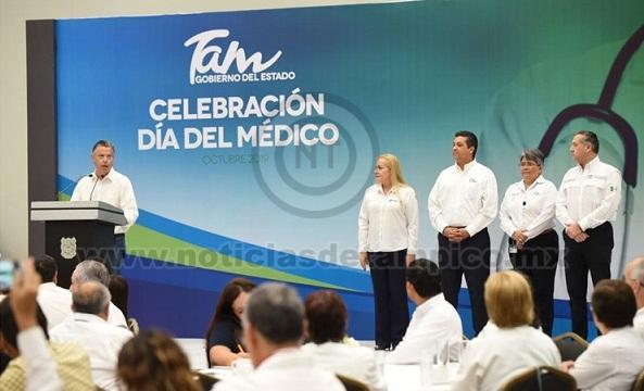 Refrenda Chucho Nader su Compromiso con el Sector Salud