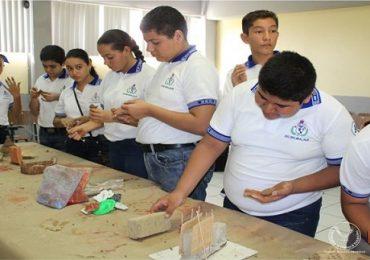 Difunde UAT la ciencia en niños y jóvenes de la zona sur