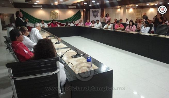 Imparten conferencia contra el cáncer de mama en Ciudad Madero
