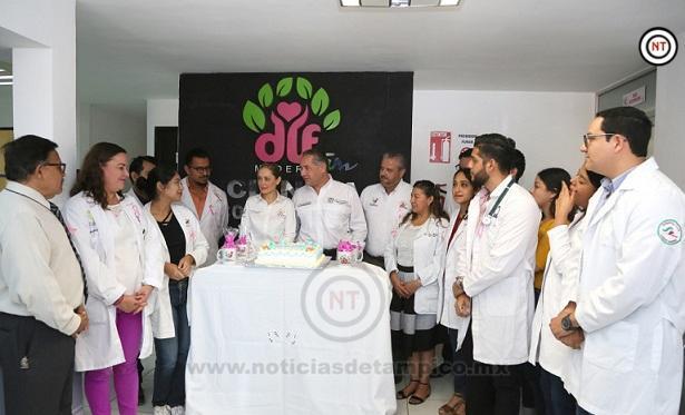 Reconoce el Alcalde Adrián Oseguera Labor de los Médicos