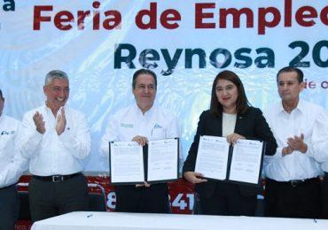 """Inauguran Feria de Empleo y arrancan programa """"Medios Tiempos Laborales"""" para estudiantes."""