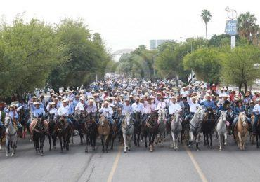 Participa Gobernador en cabalgata en el marco de la Feria Tamaulipas.