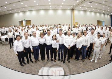 Celebra Gobernador a médicos de la zona sur del estado