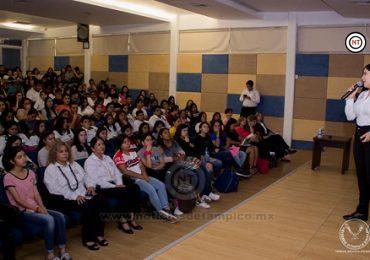 Exponen temas sobre la igualdad de género en el entorno universitario
