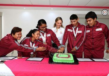 Ganadores de Paralimpiada Nacional 2019, reciben reconocimiento del DIF Madero