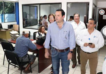 Supervisa Gerente de Comapa  Modulo de Ciudad Madero.