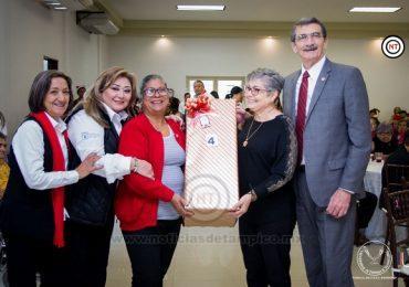 Ofrece UAT festejo prenavideño a los abuelitos universitarios