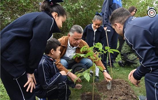 Encabeza Chucho Nader jornada de arborización en terrenos del Espacio Cultural Metropolitano
