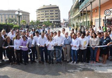 Estado y Municipio pavimentan en tiempo récord calle del Centro Histórico