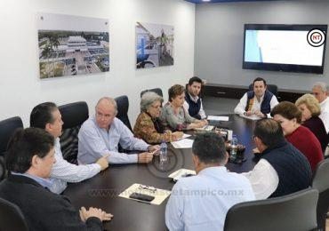 Gerente de COMAPA sostiene encuentro con agrupaciones vecinales