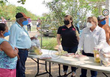 Traslada Alma Laura Amparán apoyos alimenticios a comunidades rurales