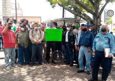 Obreros piden apoyo a autoridades ante falta de trabajo.