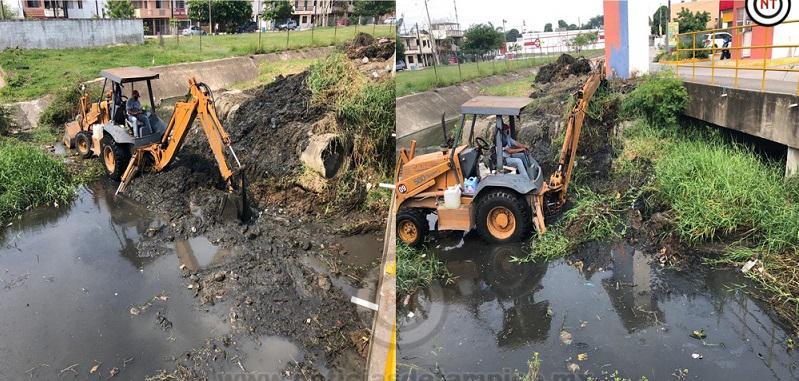 Continúa Programa de Limpieza en Canales de Ciudad Madero