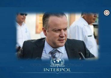 CONFIRMADO DESTIERRO POLÍTICO DE CANTUROSAS