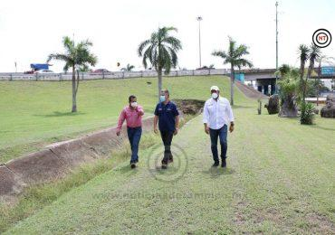 Mantiene Chucho Nader Programa Permanente de Limpieza en Canales Pluviales