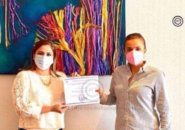 Entrega Presidenta nacional del ONMPRI nombramiento a la victorense Ofelia Garza