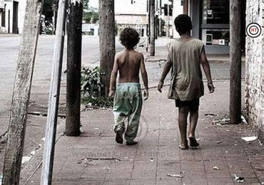Niños deambulan a altas horas de la noche en Ciudad Madero