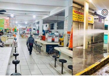 """Autoridades de Ciudad Madero Sanitizan Mercado """"18 de Marzo"""""""