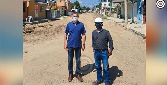 Supervisa Chucho Nader Trabajos de Pavimentación en la Zona Norte