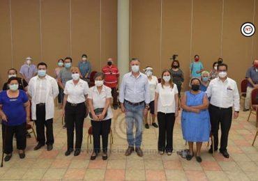 Entregan Chucho Nader y Aída Féres Auxiliares Auditivos a Grupos Vulnerables