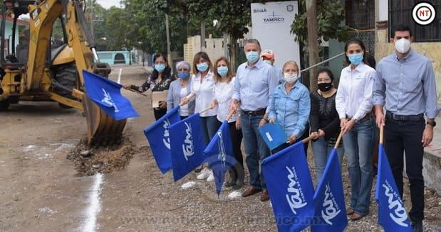 Inicia Chucho Nader Nueva Obra de Pavimentación en la Santo Niño