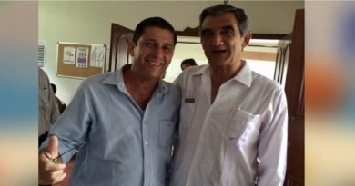 Se reúnen medios de comunicación con amigos del senador Américo Villarreal