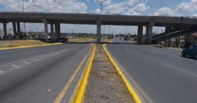 Dan mantenimiento a señales viales de carretera Anáhuac